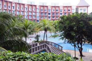ハードロックホテル一室のバルコニーから見たホテルの外観
