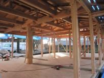 教員室の木材の架構デザインが見えてきました。